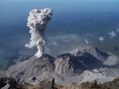 Volcanoes are one of the most devastating and dangerous natural forces. Most volcanoes are to years old and according to scientists there ar Santa Maria, Guatemala Mount Pinatubo, Lava Flow, Active Volcano, Fauna, Santa Maria, Central America, South America, Travel Around, Mother Nature