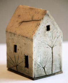 Bildergebnis für peter vandenberge houses - ceramics - # for # . Pottery Handbuilding, Raku Pottery, Slab Pottery, Pottery Art, Clay Houses, Ceramic Houses, Ceramic Clay, Art Houses, Cerámica Ideas