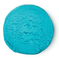 Ideal for children (of all ages), Blue Fun can be whatever you want it to be. This gentle 4-in-1 product can be used as a solid shampoo, bubble bar, soap, or even for play. One of five colours in the range, this is perfect for relaxing just before bedtime. First, enjoy making models and shapes out of it, and then either break off a small piece and use as a soap or shampoo, or crumble under running water for bubble bath. Lavender oil, chamomile oil and chamomile blue oil are excellent at…