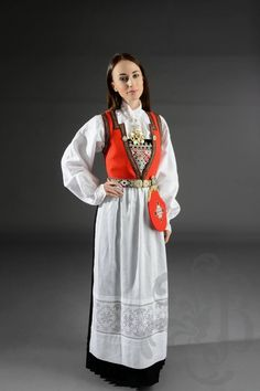 Hardanger Embroidery, Traditional Outfits, Damask, That Look, Cover Up, Coat, How To Make, Jackets, Dresses