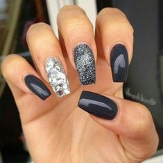 60 Best Stunning Dark Acrylic Nails Design For Prom 2019 - Page 45 of 60 - Diaror Diary - Trendy Nails Perfect Nails, Gorgeous Nails, Acrylic Nail Designs, Nail Art Designs, Nails Design, Dark Nail Designs, Art 33, Dark Acrylic Nails, Dark Gel Nails