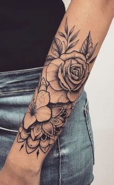 Female forearm tattoos 150 great ideas to be selected - tatoo feminina tatoo feminina - diy tattoos diy tattoo - diy best tattoo images , Forarm Tattoos, Rose Tattoos, Black Tattoos, Body Art Tattoos, Tatoos, Female Tattoos, Female Tattoo Sleeve, Butterfly Tattoos, Nature Tattoos