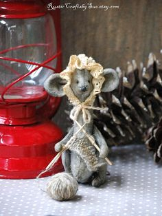 Christmas Mouse-Primitive Mouse-Mouse by RusticCraftsbySue on Etsy