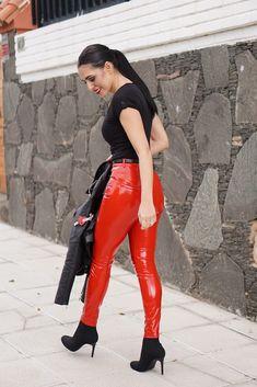 Women S Fashion Magazine Over 40 Cheap Boutique Clothing, Vinyl Clothing, Leather Pants Outfit, Leather Jeans, Shiny Leggings, Leggings Are Not Pants, Pvc Leggings, Pvc Trousers, Leder Outfits