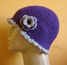 Ljubičasta heklana kapa