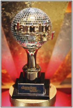DWTS mirror ball trophy given to place winners! Dwts Winners, Star Trophy, Dwts Pros, Meryl Davis, Bindi Irwin, Mirror Ball, Show Dance, Tv Reviews, Season 12