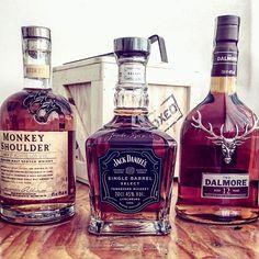 Exclusive whiskey :tophat::top::ballot_box_with_check: Co říkáte na naší novou variantu Bedny pro whiskaře EXCLUSIVE? Líbí se? Více na www.manboxeo.cz #manboxeo #whisky #whiskey #whiskyporn #whiskylover #alkohol #chlapskypiti #protvrdaky #chlapskazalezito