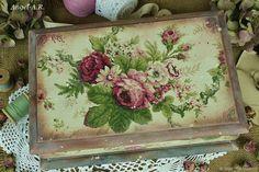 Деревянная шкатулка Розовый гобелен-2 – купить или заказать в интернет-магазине на Ярмарке Мастеров | Большая деревянная шкатулка с розами,словно…