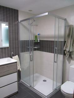 Reforma integral del baño  cambio bañera por plato ducha Silex extraplano y  antideslizante de Fiora 92de607bfa05