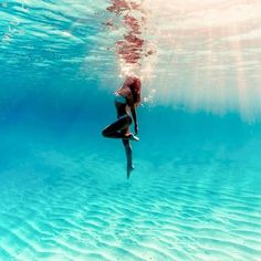 girl, summer, and sea image Summer Photography, Underwater Photography, Photography Poses, Summer Pictures, Beach Pictures, Poses Photo, Underwater Pictures, Beach Poses, Summer Aesthetic