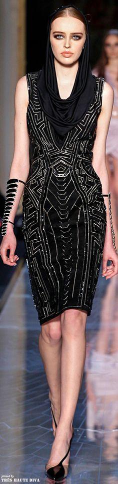 Spring 2014 Atelier Versace www.vogue.com/...