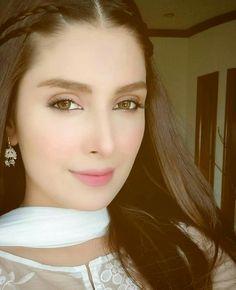 Ayeza Khan Mahira Khan, Ayeza Khan, Pakistani Actress, Bollywood Actress, Bollywood Celebrities, Fresh Makeup, Daily Makeup, Stylish Girl Pic, Hipster Outfits