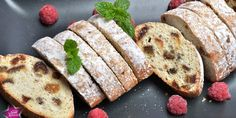 paleo-stollen Paleo, Sausage, Fitt, Bread, Ethnic Recipes, Sausages, Breads, Bakeries, Paleo Food