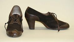 1943-1944 Oxford shoes.