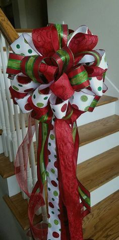 ideas for red and green christmas tree toppers Christmas Tree Bows, Christmas On A Budget, Holiday Tree, Green Christmas, Christmas Tree Toppers, Christmas Crafts, Christmas Ornaments, Christmas Lights, Christmas Ideas