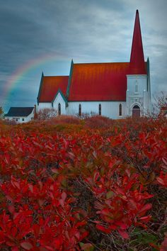 Nova Scotia is such a beautiful place . Standing Of Good Faith - Peggy's Cove, Nova Scotia, Canada Old Country Churches, Old Churches, Abandoned Churches, Nova Scotia, Beautiful World, Beautiful Places, Take Me To Church, Templer, Cathedral Church