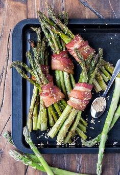 These easy Bacon Asparagus Bundles are the perfect side dish for brunch or dinner!