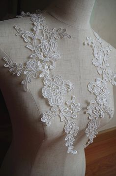 off white  lace applique with retro floral, ivory venice lace applique by pair #Affiliate