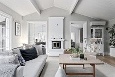 This country house in Sweden is built of inexpensive building materials, and the interior design is rather simple and ascetic: low ceilings, budget ✌Pufikhomes - source of home inspiration Sweden House, French Apartment, My Ideal Home, House By The Sea, Scandinavian Interior Design, Best Interior, Beautiful Interiors, Bradford, Decoration