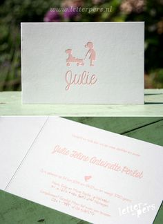letterpers_letterpress_geboortekaartje_Julie_zusjew_bolderkar_kar_trekkar_duwkar_meisjes Baby Girl Birth Announcement, Baby Announcements, Little Ones, Little Girls, Letterpress, Baby Room, Pregnancy, Place Card Holders, Letters
