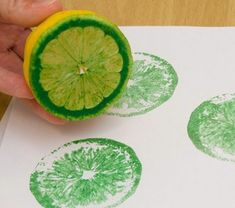 54 clever ideas for crafting with children in the summer!- 54 kluge Ideen für Basteln mit Kindern im Sommer! tinker-with-kids-in-summer-lemon-green-color-super-design - Diy Crafts To Do, Arts And Crafts, Lemon Green Colour, Simple Art, Easy Art, Summer Crafts, Diy Wall Art, Handicraft, Diy For Kids