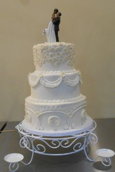 #BaltimoreCakery #WeddingCakes #CakeSwag #LookAtThatCake #Yum #CanIGetASlice #HereComesTheBride