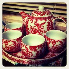 Tea Set For Our Chinese Wedding Tea Ceremony Chinese Wedding Tea Ceremony, Vintage Tee, Teapots And Cups, Tea Service, My Cup Of Tea, Chocolate Pots, Tea Time, Chinese Tea Cups, Red Teapot
