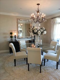 If you are looking for Small Dining Room Table Ideas, You come to the right place. Below are the Small Dining Room Table Ideas. This post about Small Dining . Dining Room Decor Elegant, Shabby Chic Dining Room, Luxury Dining Room, Dining Room Design, Dining Room Table Centerpieces, Dinning Room Tables, Dining Room Walls, Living Room Decor, Casa Disney