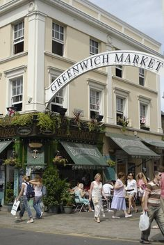 The #GreenwichMarket is open Tuesdays to Sundays and is filled with all kinds of stalls, from arts to antiques to tasty food stalls.