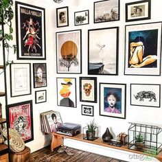 Inexpensive Wall Gallery Ideas For A Perfect Wall Decor On A Budget Gallery Wall Bedroom, Inspiration Wall, White Decor, New Wall, Home Decor Bedroom, Cheap Home Decor, Home Design, Home Decor Accessories, Home Art