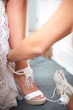 Bridal Sandals by YolanCris Boho Wedding Shoes, Wedding Wedges, White Wedding Shoes, Wedding Dresses, Bride Shoes, Prom Shoes, Surfer Wedding, Look Boho Chic, Bridal Sandals