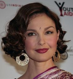 The Best Hairstyles for Heart-Shaped Faces: Balance Out Your Great Cheekbones and Narrow Chin