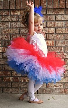 BedBugg Boutique: Red White and Blue Tutu!!! I've got to learn how to layer the tulle