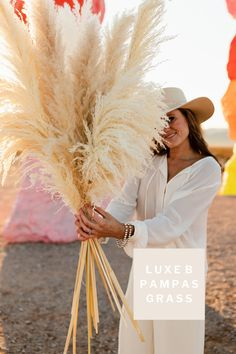 Luxe B Pampas Grass is these days the main on-line market for Pampas Grass.We feature a big number of Pampas varieties in herbal color, bleach white, purple and different enthralling colours. We're identified for high quality handpacked pampas this is delivered immediately on your door. Best for your house decor, any tournament particularly boho marriage ceremony decor. Lately we send anyplace in the United States and Canada. @luxebpampasgrasswww.luxebpampasgrass.com#pampasgrass #driedpampas #luxebpampasgrass #bohowedding