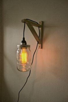 Hanging Mason Jar Sconce Light par lightpaper sur Etsy, $55.00
