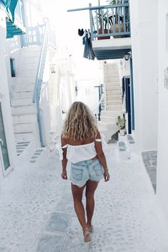 So babes! here comes a mini guide with my favorite places that I visited in Greece.. IOS Jag spenderade inte många dagar på IOS. Men tillräckligt många för att