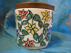 1960s Jar & Teak Lid – Vintage Waechtersbach – Flower Power – Sweets – German Pottery Design – Mid Century Stoneware – Hippie Style Blossoms von everglaze auf Etsy