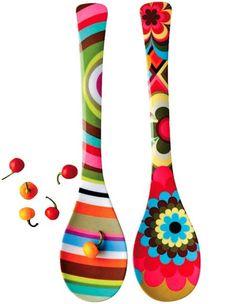 Great kitchen equipment for a charming design - Decoration Solutions Diy Crafts Hacks, Diy Home Crafts, Creative Crafts, Handmade Crafts, Wine Bottle Crafts, Bottle Art, Painted Spoons, Hand Painted, Rock Crafts