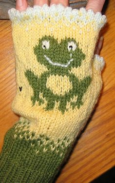 Ravelry: Frog Keep on Textin' Gloves and Mittens pattern by Deborah Tomasello