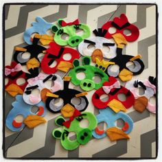Mask favors at an Angry Birds Party #angrybirds #masks