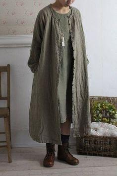 「a+koloni コロニー Wガーゼクルーコート」ナチュラル服の通販 Blanc et Beige ブランエベージュ a+koloni コロニー alacrity アラクリティー リネンコート リネンワンピース Look Fashion, Hijab Fashion, Fashion Dresses, Womens Fashion, Fashion Design, Natural Clothing, Mein Style, Apron Dress, Mode Hijab