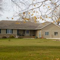 Pheasant Run Retreat - Hutchinson, MN:    Self-service private weekends accommodating up to 15 guests.