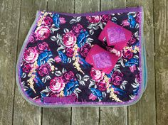 Stunning floral print English Saddle Pad in the colors purple, pink, cream, grays and blues. This pad has a solid blue under color and is filled Horse Boots, Horse Gear, My Horse, Western Bridles, Western Saddle Pads, English Horse Tack, English Saddle, Equestrian Outfits, Equestrian Style