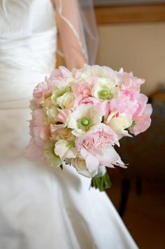 New York Wedding Films likes: wedding bouquet, wedding flowers by MagnaFlora Design  New York - New York, Manhattan, Brooklyn, Bronx, Queens, and surrounding areas