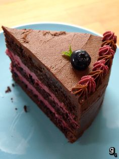 Guild Wars 2 – Chocolate Omnomberry Cake