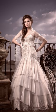 Ersa Atelier 2011 - Spanish Bride :D lovelyyy Couture Wedding Gowns, Bridal Gowns, Wedding Dresses, Spanish Themed Weddings, Ersa Atelier, Here Comes The Bride, Every Girl, Dream Dress, Mother Of The Bride