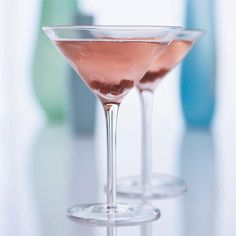 © Tina Rupp  Wine Wednesday: Rosé Champagne and elderflower syrup star in this delicious cocktail.  Recipe: Lush