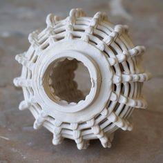 3D printed ceramics - ELstudio  #3dprinting #digitalcraftt #clay #digitalceramics #covepark