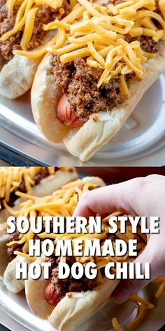 Southern Style Homemade Hot Dog Chili is made with ground beef, garlic, beef broth, tomato sauce and seasonings (no beans!) Thick, rich and so much flavor! Chili Cheese Dogs, Chili Dogs, Chili Chili, No Bean Chili, Sauce Recipes, Beef Recipes, Cooking Recipes, Chilli Hot Dog, Homemade Hot Dogs