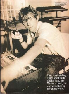 Damon Albarn 'everyone's taking drugs, except graham and me' !!!!
